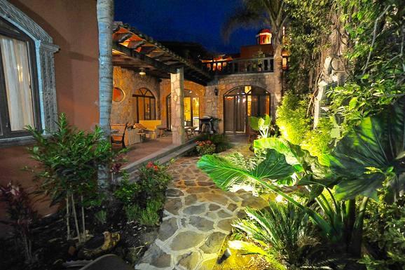 Wohnungstausch in Mexiko,San Miguel de Allende, Guanajuato,Walk Everywhere - Arts District of San Miguel,Home Exchange Listing Image