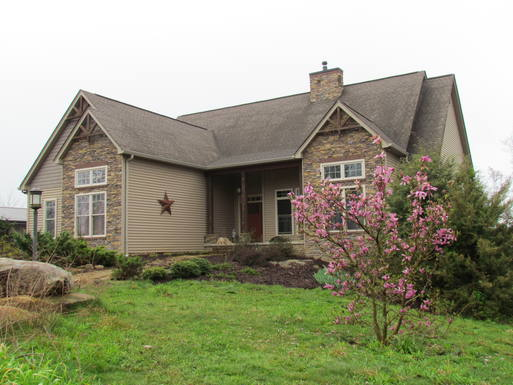 Kodinvaihdon maa Yhdysvallat,Signal Mountain, TN,Chattanooga, TN - Achin' Back Farm on Signal,Home Exchange Listing Image