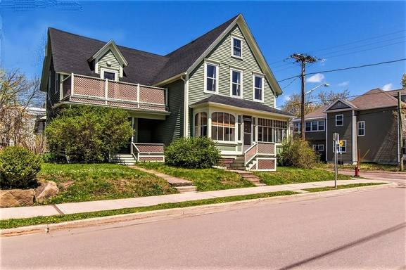Home exchange country Kanada,Moncton, New Brunswick,Century house charm with modern amenities.,Home Exchange Listing Image