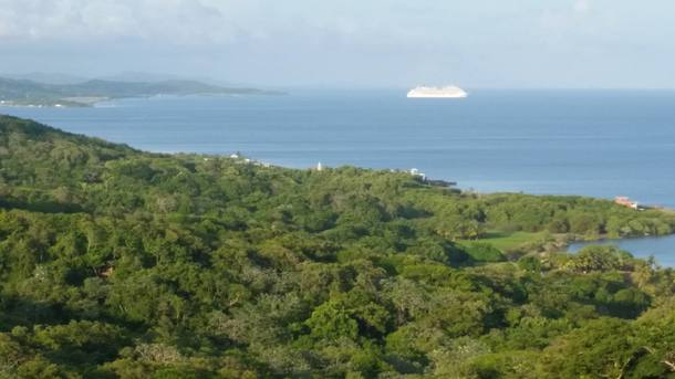Home exchange in Honduras,West Bay, Roatan/ Honduras,Beautiful Caribbean home with gorgeous views!,Home Exchange & House Swap Listing Image