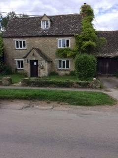Kodinvaihdon maa Britannia,Combe, Witney, Oxfordshire,1782 Stone Cottage the Cotswolds,Home Exchange Listing Image