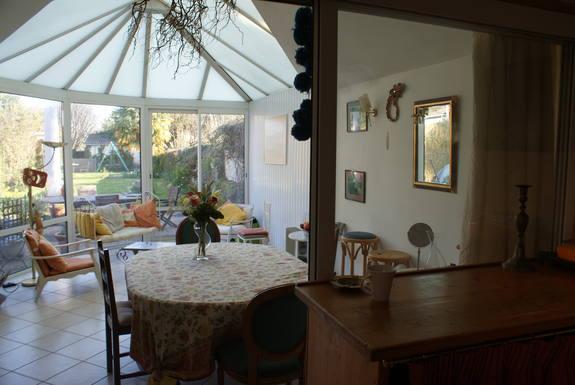 Notre véranda, cuisine et jardin.