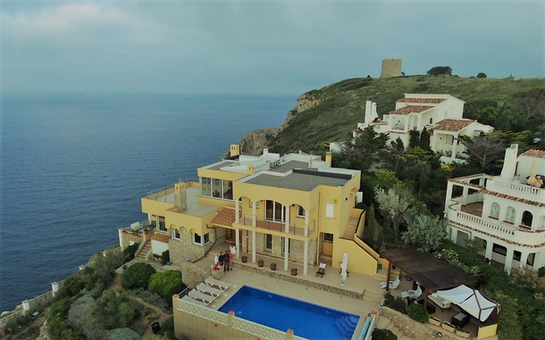 Boligbytte i  Spania,L Escala, GIRONE,vue mer et montagne,Home Exchange & House Swap Listing Image