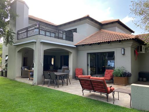 Scambi casa in: Sudafrica,Pretoria, Gauteng,Neat family home situated on golf course,Immagine dell'inserzione per lo scambio di case