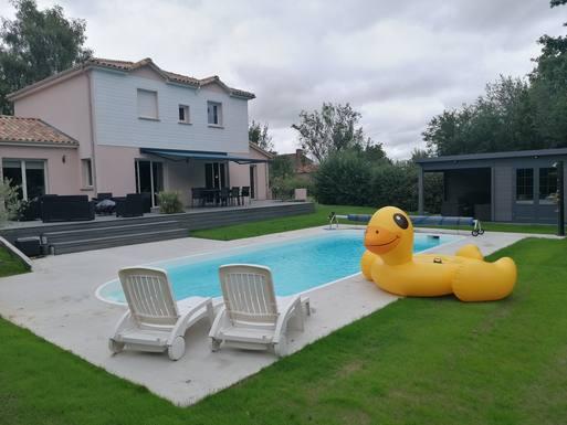 Notre nouveau coin piscine !