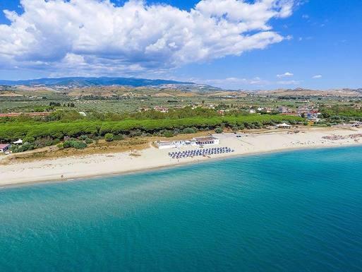 Kodinvaihdon maa Italia,Sellia Marina, Italia,Beautiful beach in Sellia Marina Italy,Home Exchange Listing Image