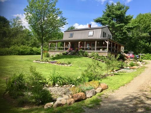 Beautiful renovated Maine cabin