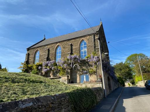 Koduvahetuse riik Suurbritannia,Matlock, Derbyshire,Chapel Croft in Peak District National Park,Koduvahetuse kuulutuse pilt