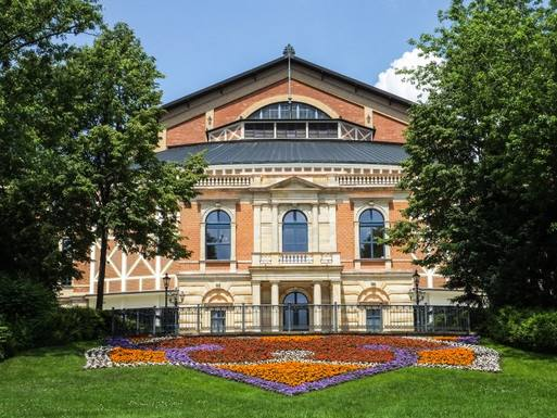Festspielhaus Bayreuth c:Wagner im Kino.de