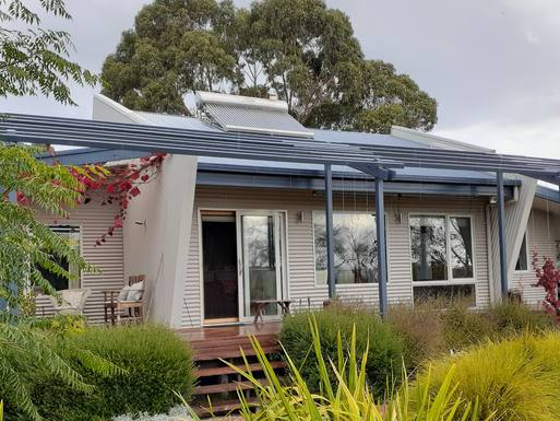 Boligbytte i  Australia,Scarsdale, Victoria,Contemporary country home in large garden,Home Exchange & House Swap Listing Image