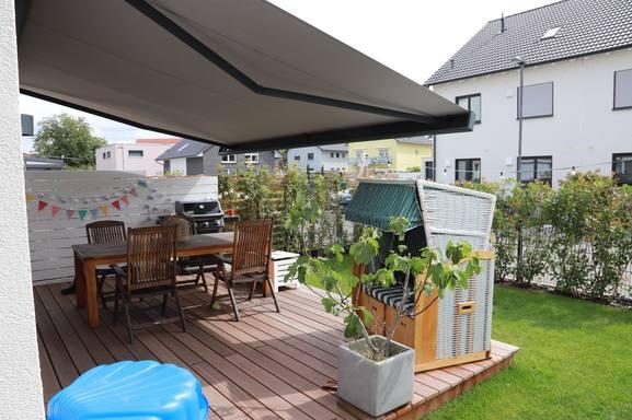Kodinvaihdon maa Saksa,Heddesheim, Baden-Württemberg,New home close to a lake in Heddesheim,Kodinvaihto ilmoituksen kuva