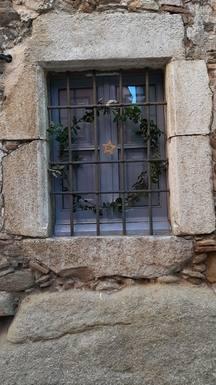 Échange de maison en Espagne,Celra, Girona,Big stone house with garden outside Girona,Echange de maison, photos du bien