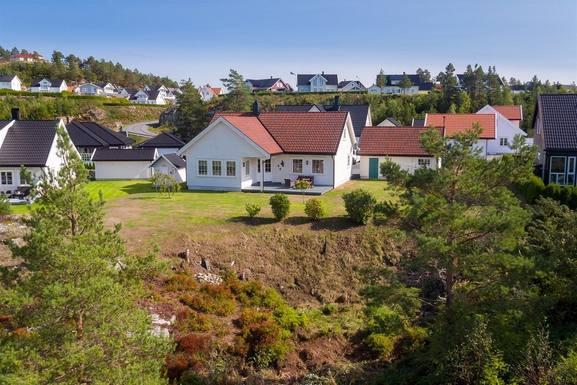 Home exchange in Norway,FROLAND, Norway,Enebolig i rolige omgivelser,Home Exchange  Holiday Listing Image