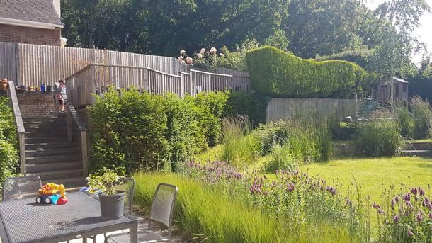 Wohnungstausch oder Haustausch in Vereinigtes Königreich,Dorking, Surrey,Family home with drive & garden with views,Home Exchange Listing Image