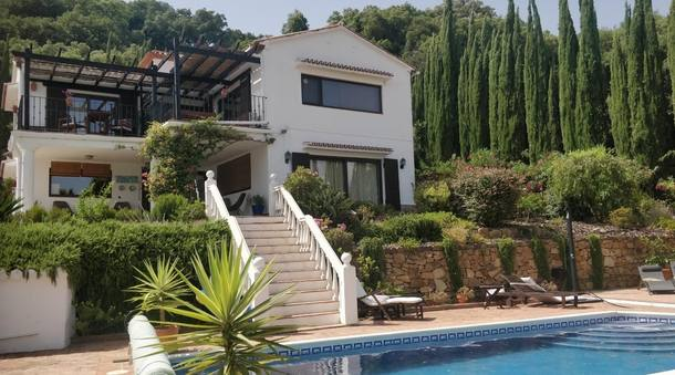 Home exchange in Spain,Casares, malaga,Villa with Mediterranean sea view and pool,Home Exchange  Holiday Listing Image