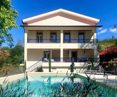 BoligBytte til Portugal,Lousã, Coimbra,Lux. waterfront villa, priv. pool, kayaks,Boligbytte billeder