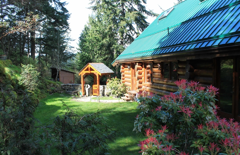 Home exchange in Canada | Victoria | Custom Log Home close to ...