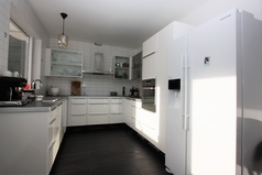BoligBytte til/Iceland/Akureyri/Big modern kitchen, open to diningroom