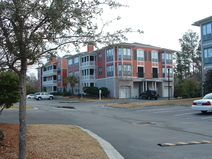 País de intercambio de casas/United States/Savannah/Condo building with unit on 2nd floor