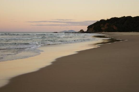 Home exchange in,Australia,VALLA BEACH,Looking south on North Valla Beach.
