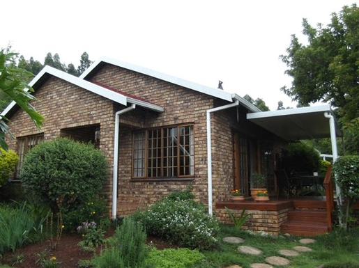 BoligBytte til,South Africa,Pietermaritzburg,Our house is free standing in a fairly large garde