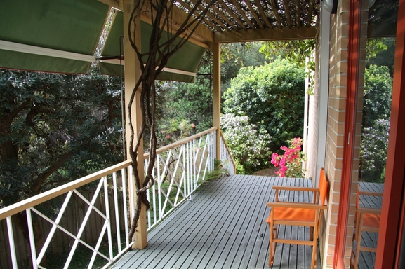 Home exchange in,Australia,South Coogee,Lots of native birds visit the back garden.