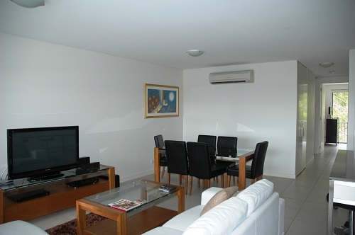 Home exchange in,Australia,NELLY BAY,Lounge room in the apartment