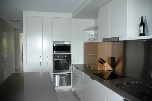 Home exchange in,Australia,NELLY BAY,Kitchen in apartment