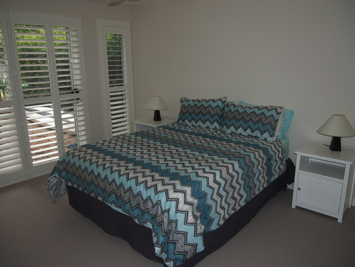 Home exchange in,Australia,STOCKTON,Main bedroom with en suite and robe