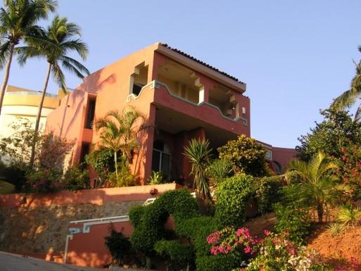 BoligBytte til,Mexico,Manzanillo,Front Viewe of Casa Maya