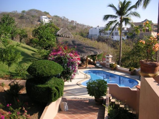 BoligBytte til,Mexico,Manzanillo,Swimming Pool and Palapa/Entertainment area of Cas