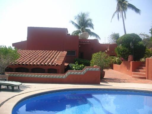 BoligBytte til,Mexico,Manzanillo,Pool area and back of Casa Maya