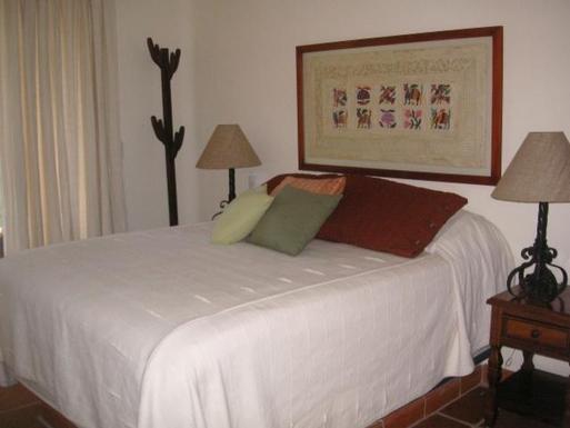 BoligBytte til,Mexico,Manzanillo,Guest Bedroom of Casa Amanecer
