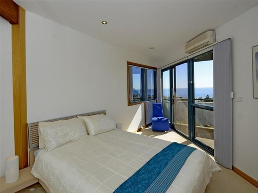 BoligBytte til,Australia,MARINO,guest bedroom with balcony top level
