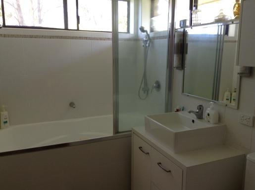 Home exchange in,Australia,WOOLGOOLGA,Ensuite of master bedroom