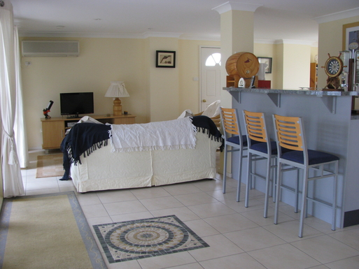 Home exchange in,Australia,SUSSEX INLET,Lower level Lounge and bar area