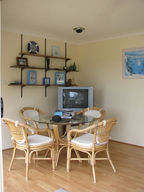 Home exchange in,Australia,SUSSEX INLET,Upper level dining area