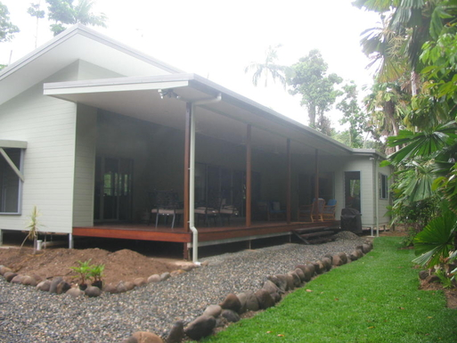 Home exchange in,Australia,CAIRNS,Front of house with deck