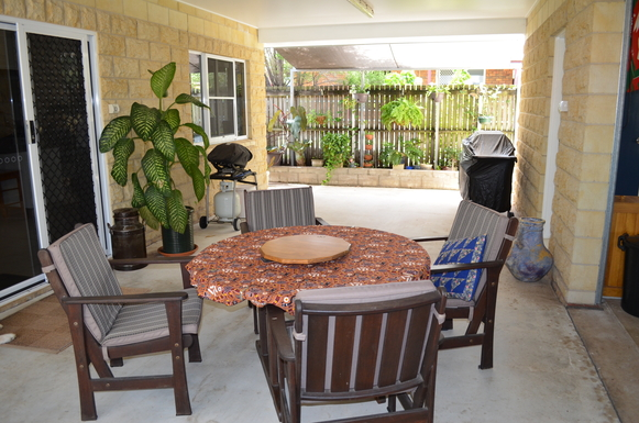 Home exchange in,Australia,ARMSTRONG BEACH,Breezeway/barb-b-q area