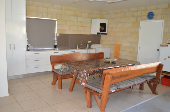 Home exchange in,Australia,ARMSTRONG BEACH,Laundry/outside but under-cover dining