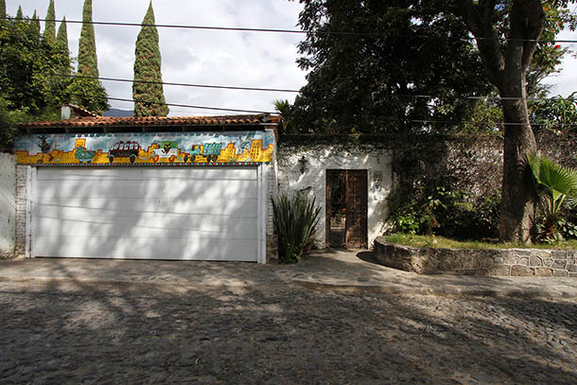 BoligBytte til,Mexico,Ajijic,Front of house and entry