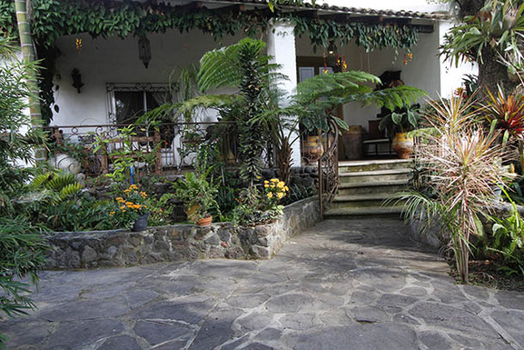 BoligBytte til,Mexico,Ajijic,Front garden and porch