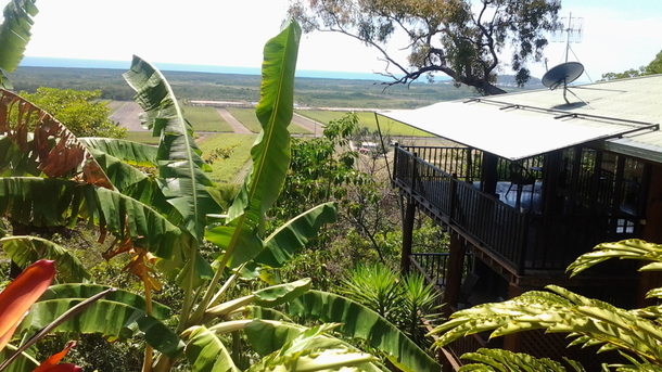 Home exchange in,Australia,PORT DOUGLAS,,Northern side of the house...living upstairs 2 bed