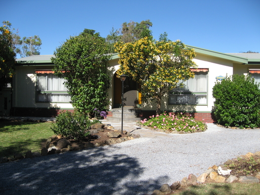 Home exchange in,Australia,CARRICKALINGA,Front entrance to beach home