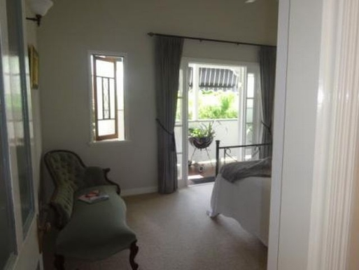 Home exchange in,Australia,WINDSOR,Master bedroom with private balcony