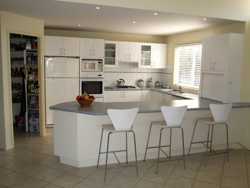 Home exchange in,Australia,GYMEA BAY,KITCHEN WALK IN PANTRY DISHWASHER AND GAS COOKING