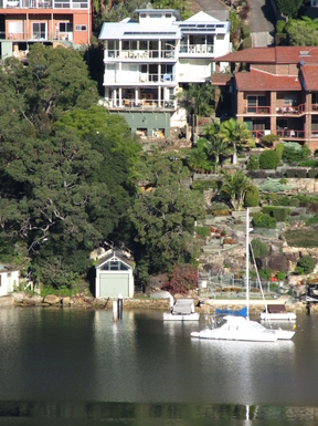 Home exchange in,Australia,GYMEA BAY,VISITORS ENJOY FISHING FROM OUR PONTOON