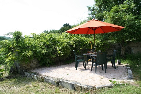 BoligBytte til,France,sougères en puisaye,terrasse cour
