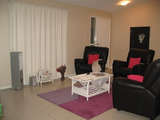 Home exchange in,Australia,COOROIBAH,Living room