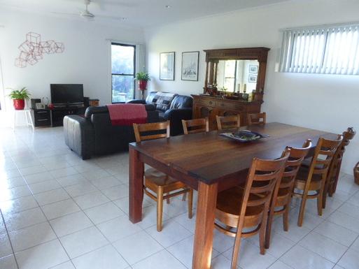 Home exchange in,Australia,VINCENTIA,open plan living/dining room